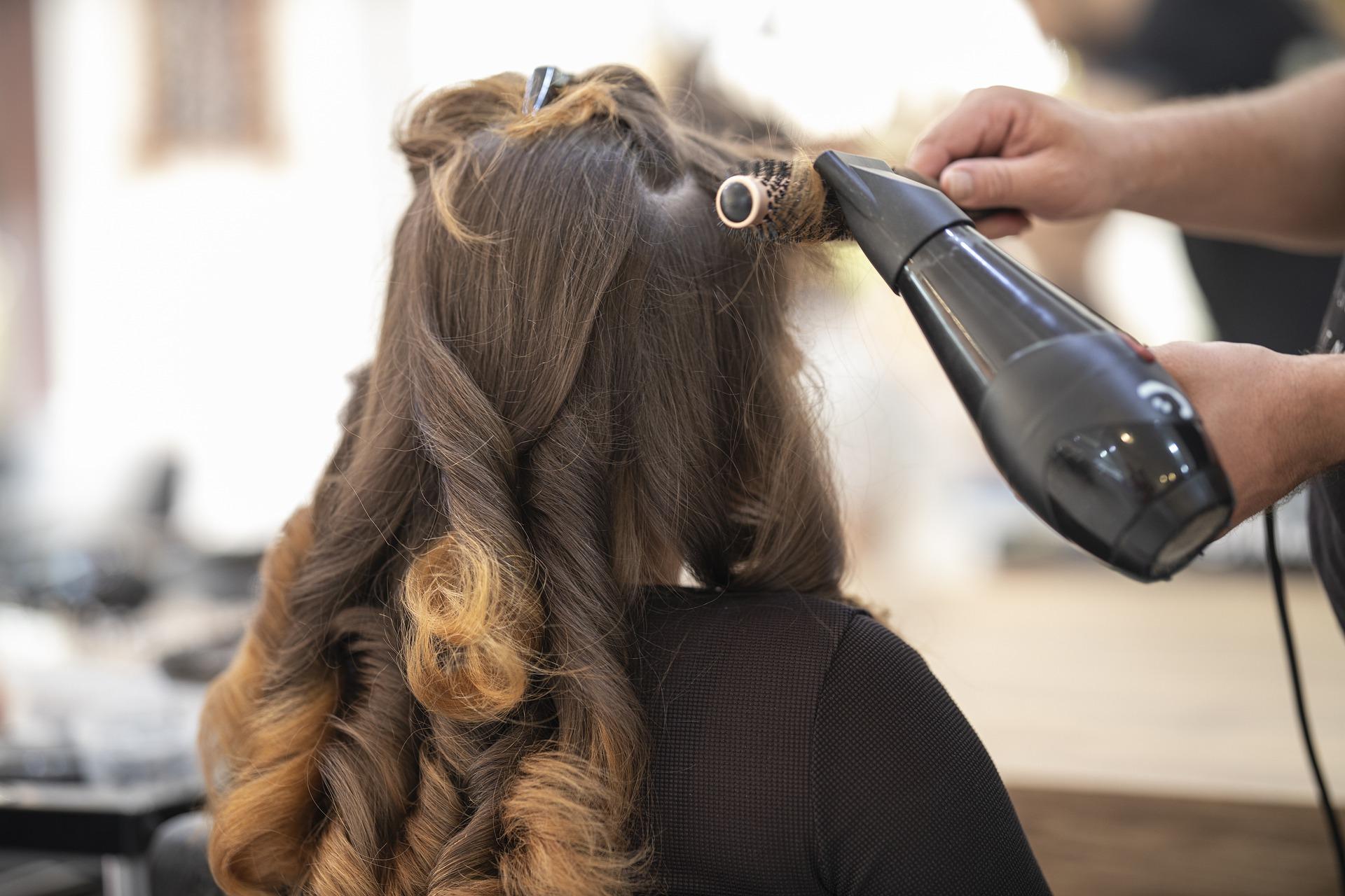 hairdresser-4639174_1920